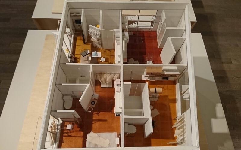 日本の家の上から見た模型